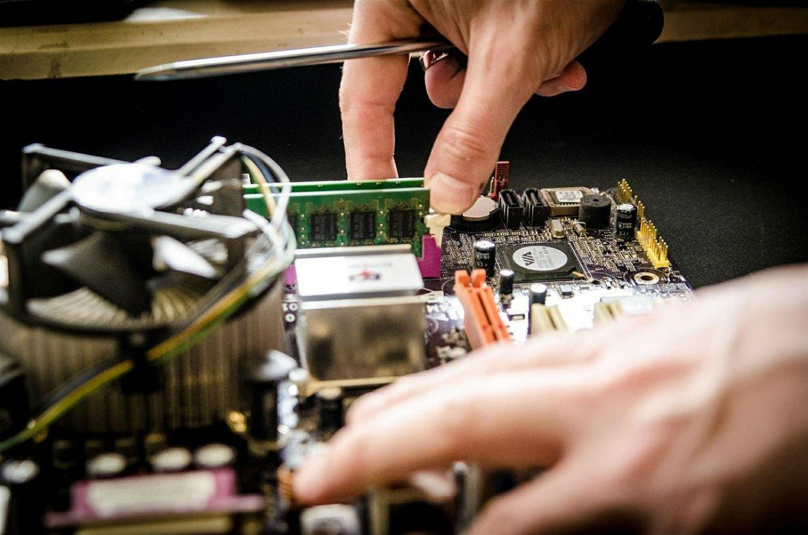 Por qué contratar servicios informáticos en tu negocio