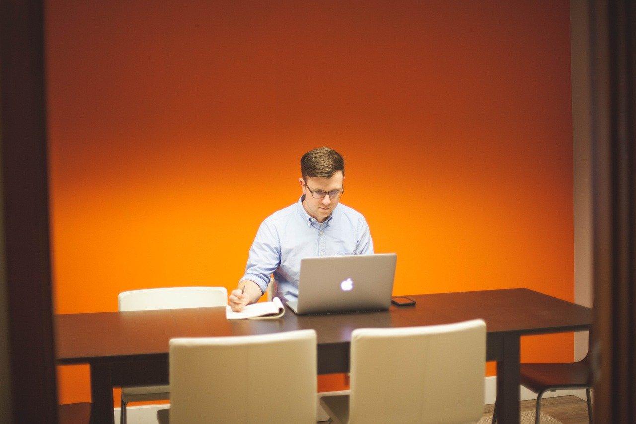 Cómo aumentar la velocidad de los ordenadores de tu empresa
